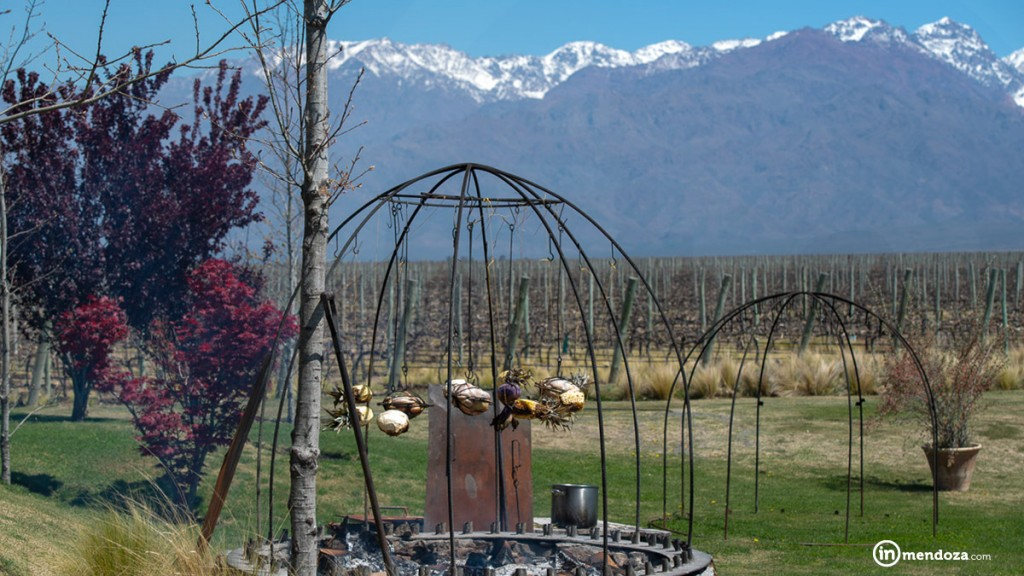 Inmendoza The vines asador