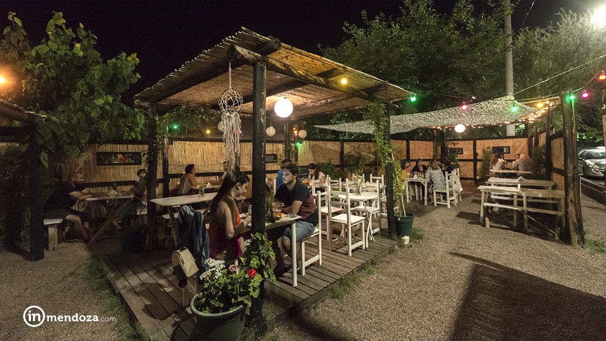 Bambú, el bar playero en la ciudad – INmendoza